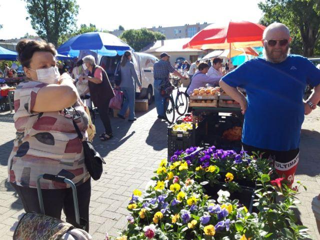 a széchenyivarosi kispiacon