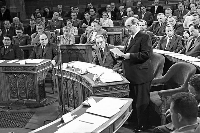 Nagy Imre – Magyar miniszterelnökök sorozat