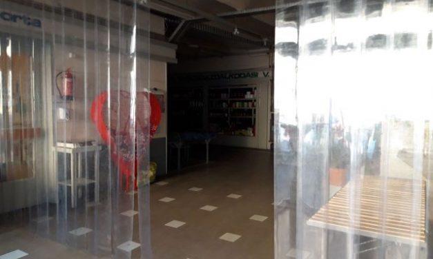 Hőzáró szalagfüggönyök a Piaccsarnok bejárataihoz