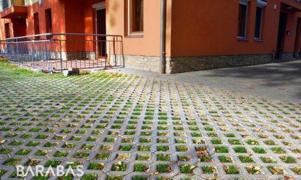 Zöldfelület és sármentes parkoló egyben? Lehetséges!