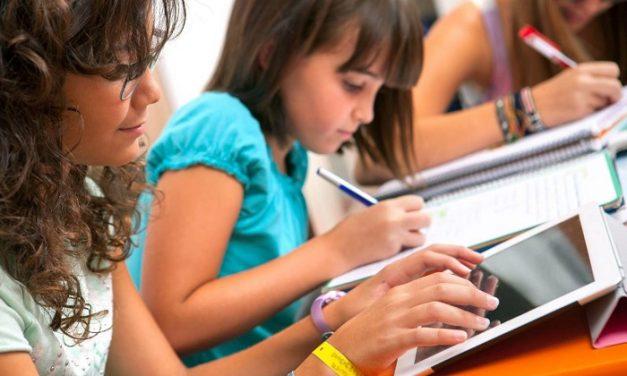 'Digitális ugródeszka' pályázat a hátrányos helyzetű települések iskoláinak megsegítésére