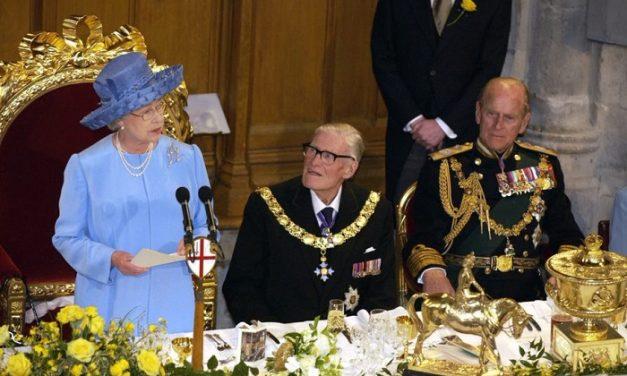 Február 6-tól két hétig minden este a brit királyi család a Spektrumon