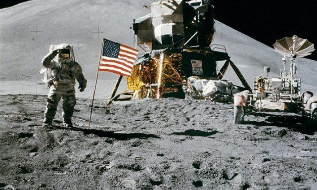Az űrhajózás világnapját ünnepli a Spektrum