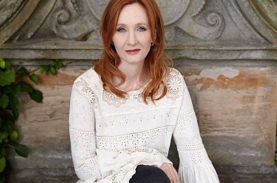 J. K. Rowling újabb varázslatos gyermekkönyvvel jelentkezik