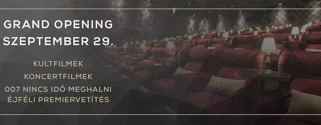 A CinemaMOM Kultfilmekkel és éjféli James Bond-premierrel nyílik meg újra